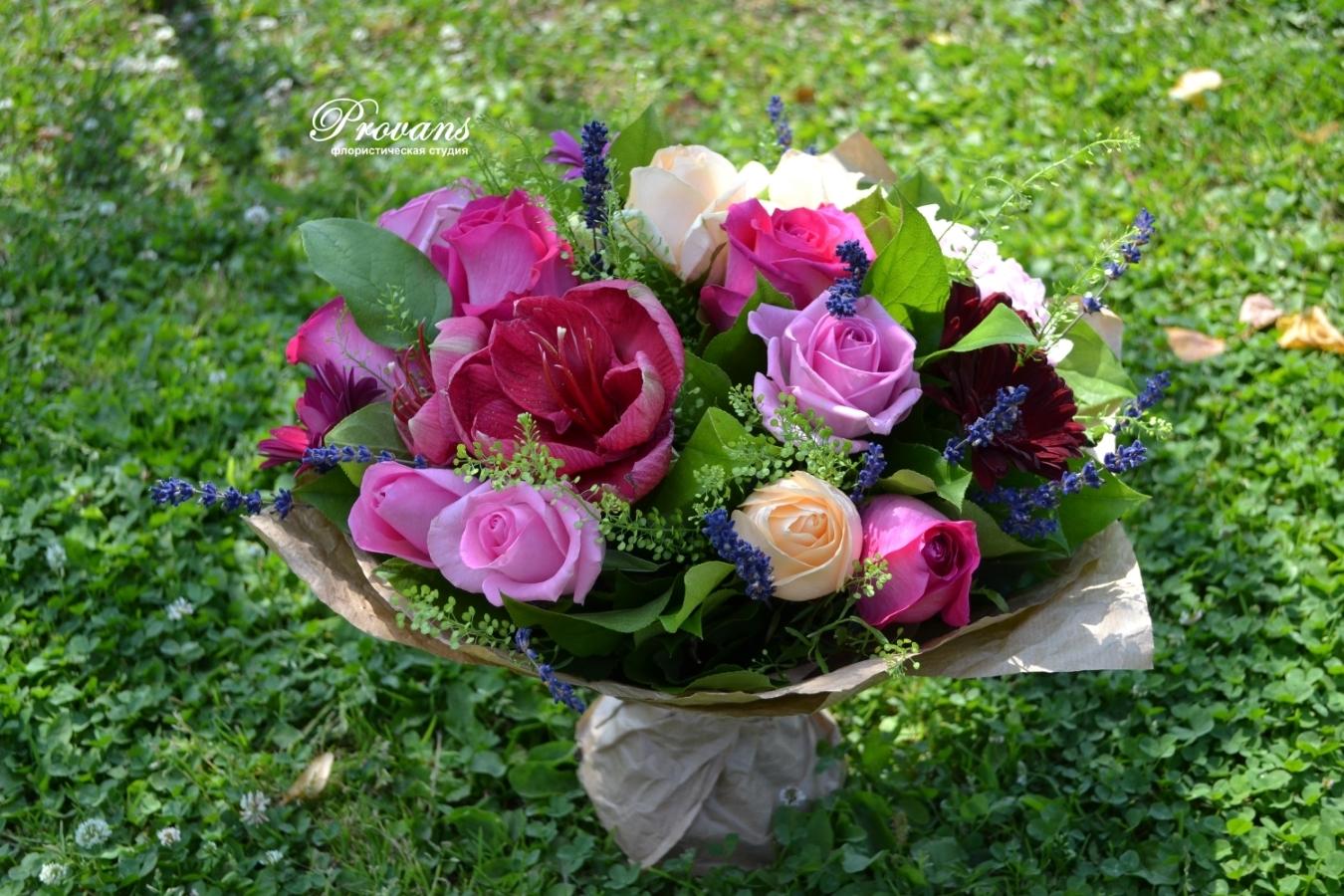 Букет на день рождения. Амариллис, розы, герберы, лаванда