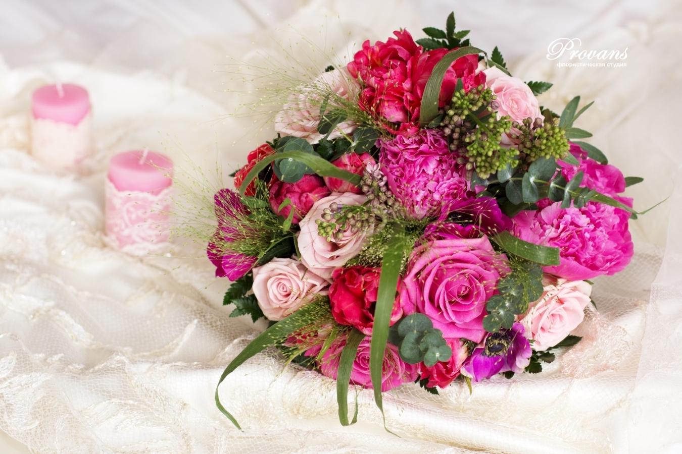 Свадебный букет. Розы, пионы, анемоны, сирень, тюльпаны