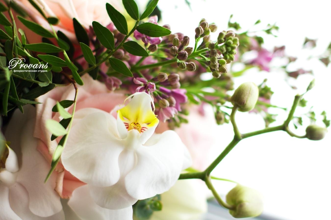 Свадебный букет. Орхидея, роза, сирень.розовый кварц, Rose Quartz