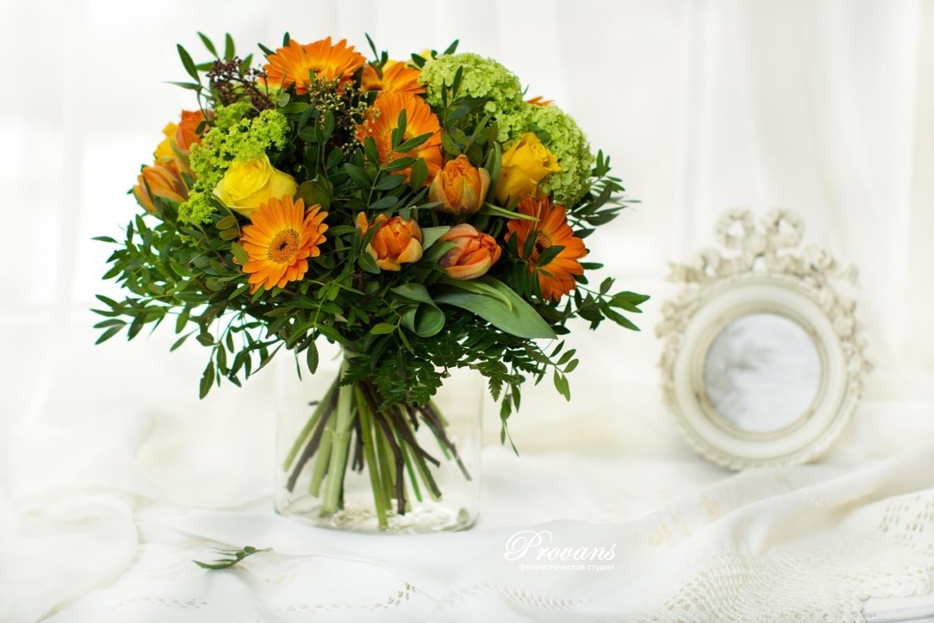 Букет на день рождения. Розы, герберы, тюльпаны.