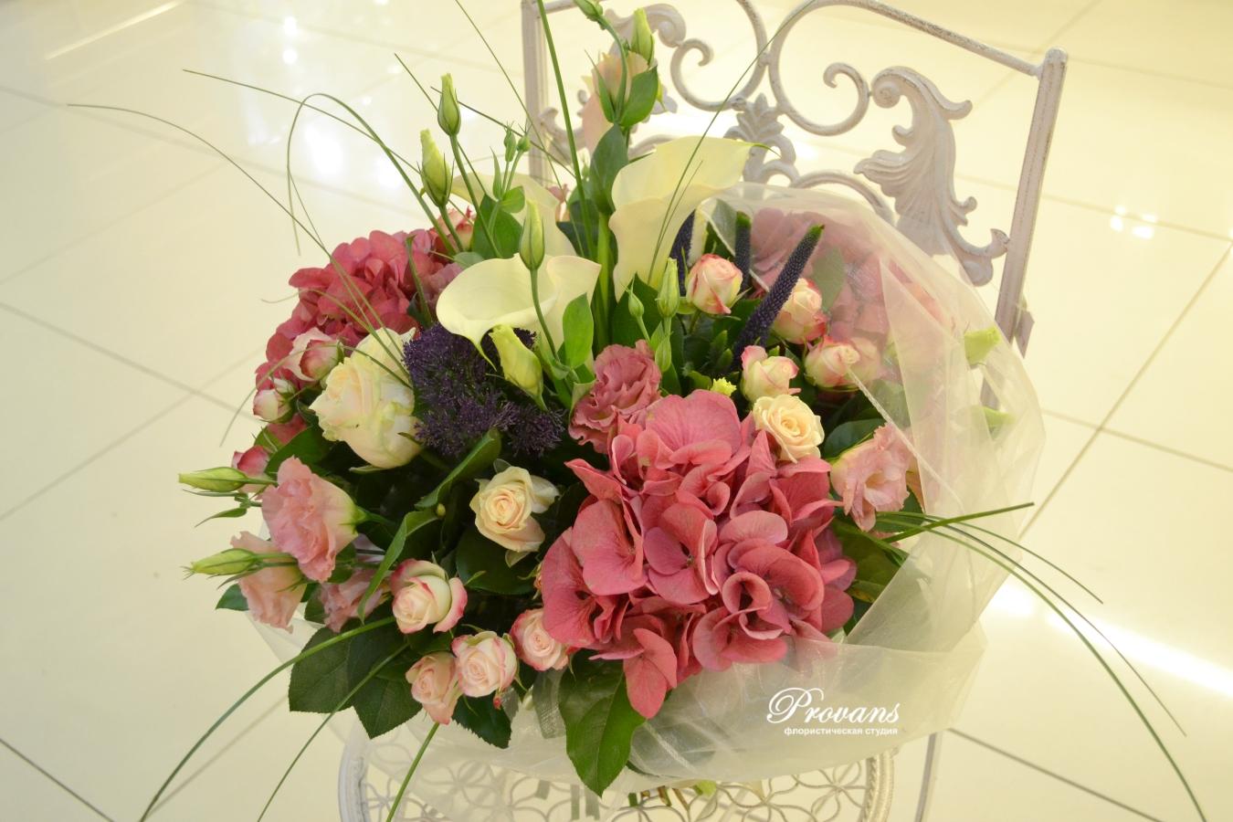 Букет на юбилей. Розовая гортензия, каллы, розы