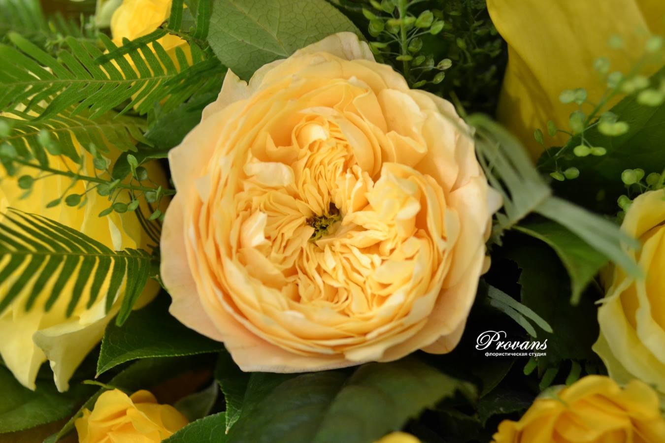 Букет на день рождения. Калла, пионовидные розы