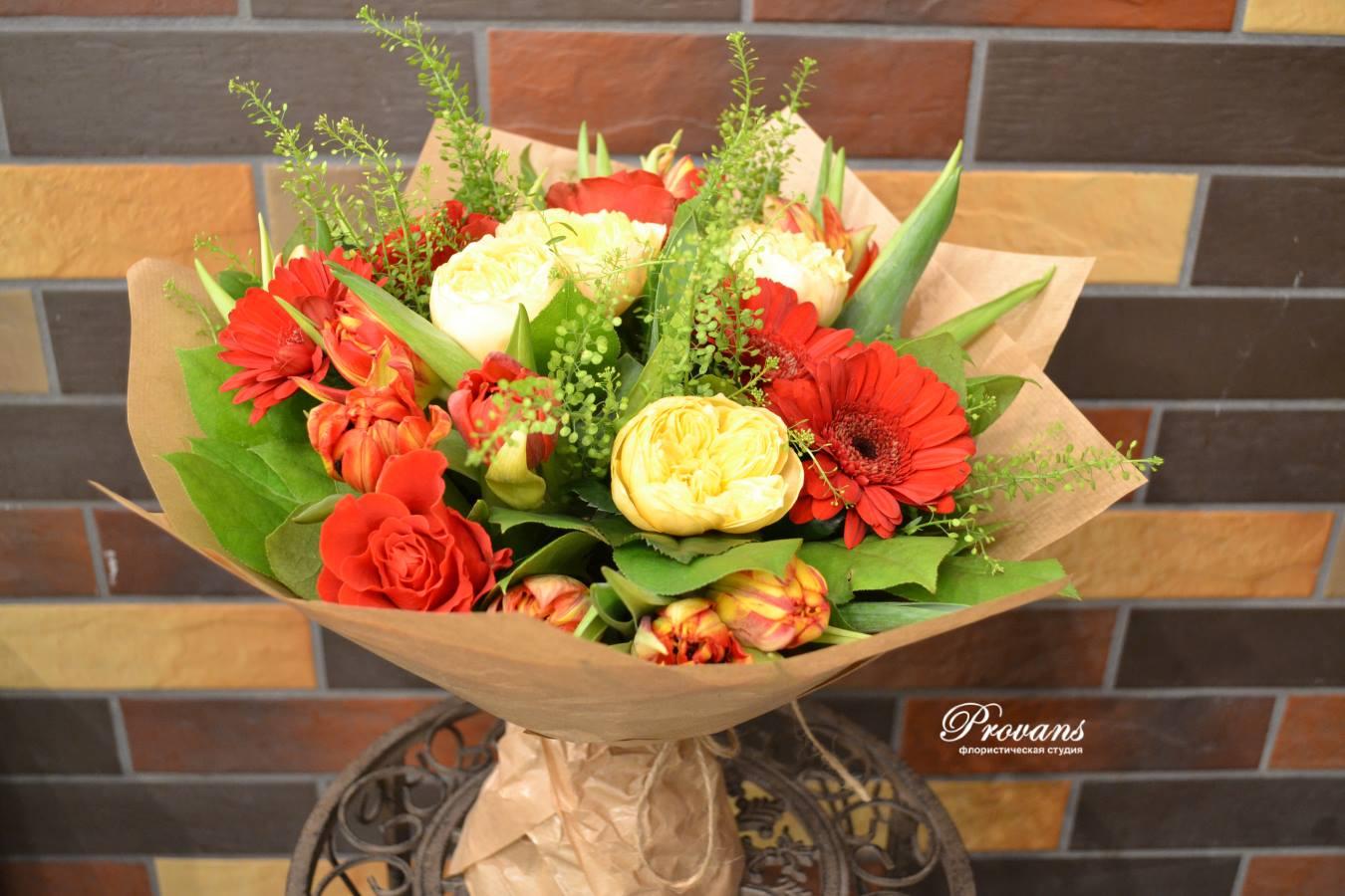 Бизнес букет. Герберы, розы, тюльпаны