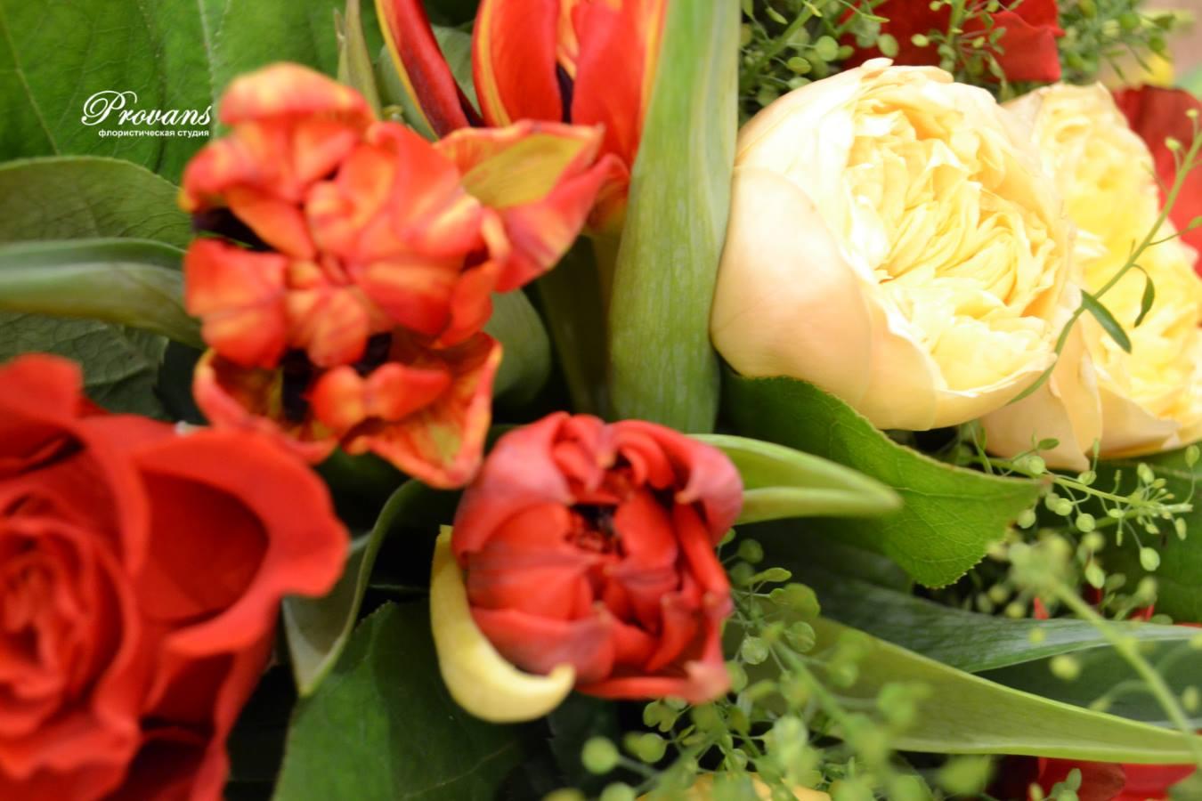 Букет Техас. Цветы: герберы, розы, тюльпаны