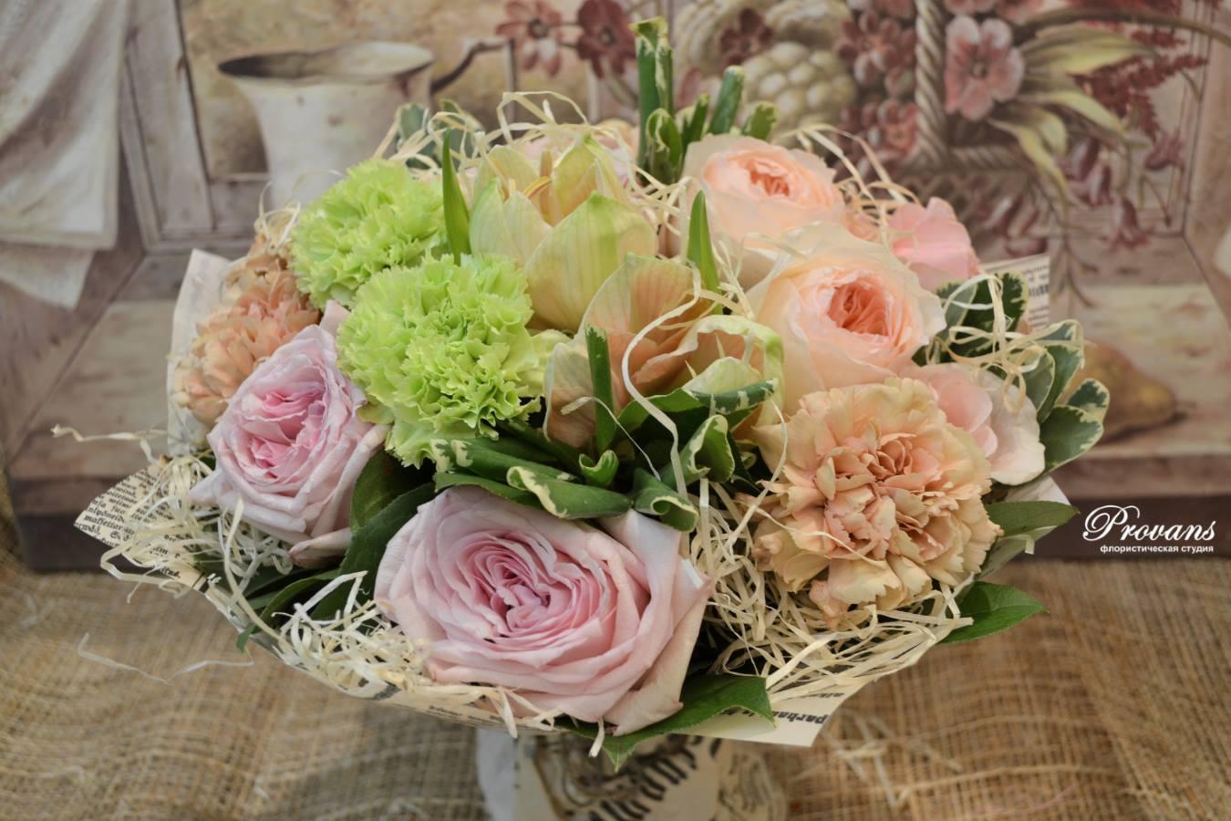 Букет на день рождения. Ароматная роза, амариллис гвоздика