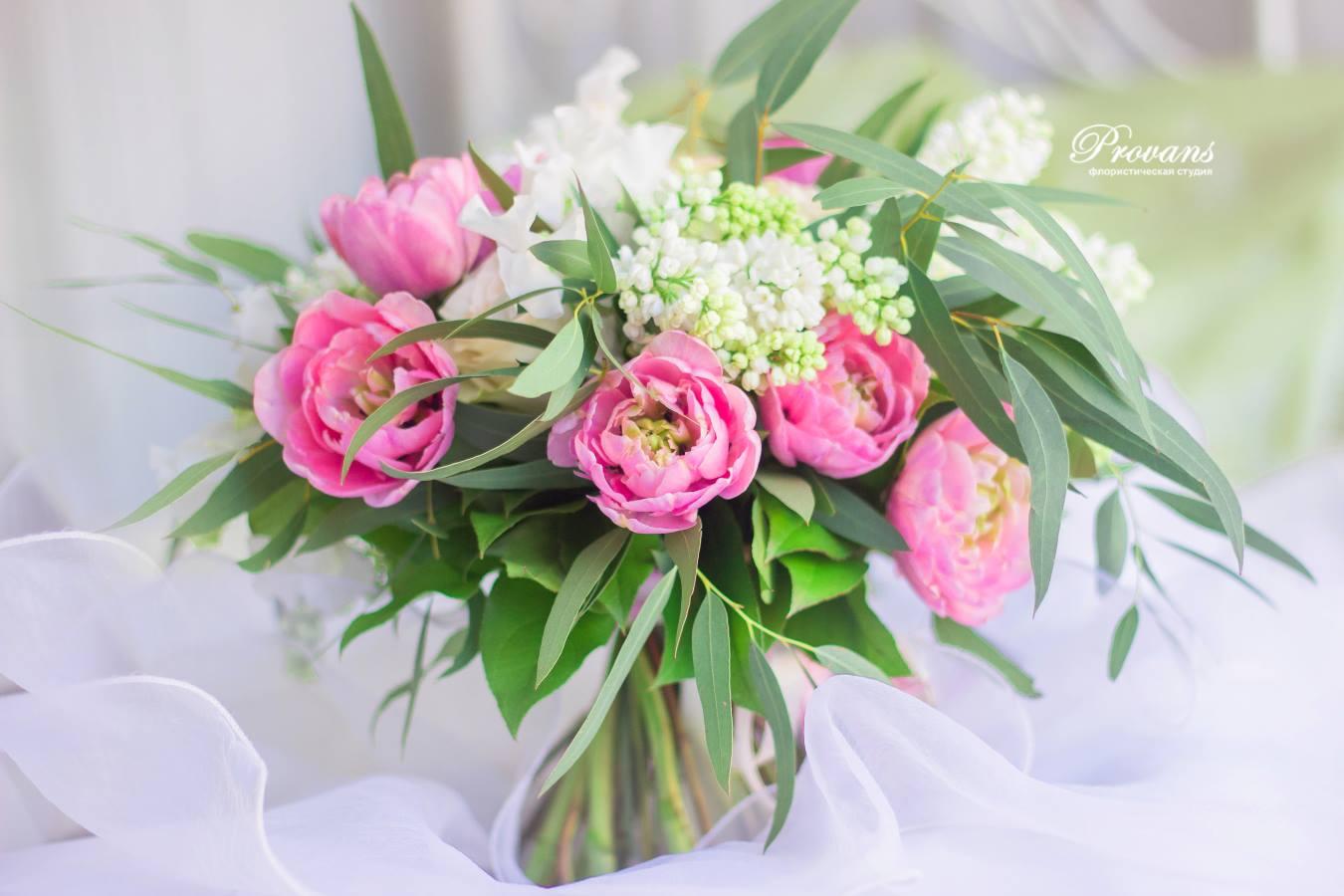 Букет невесты. Французские тюльпаны, сортовые розы