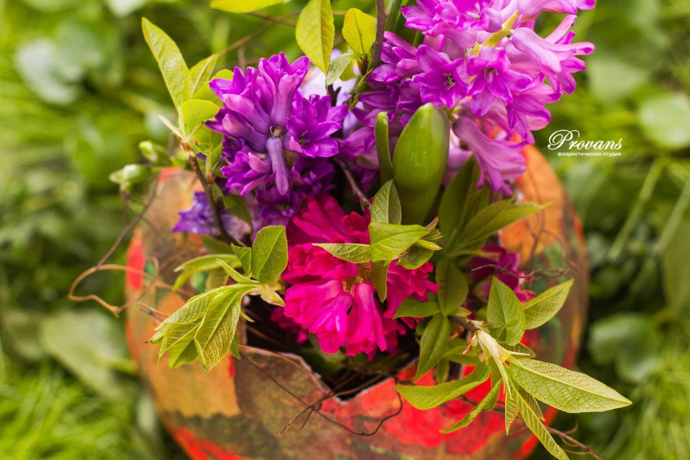 Композиция на Пасху. Цветы: гиацинт