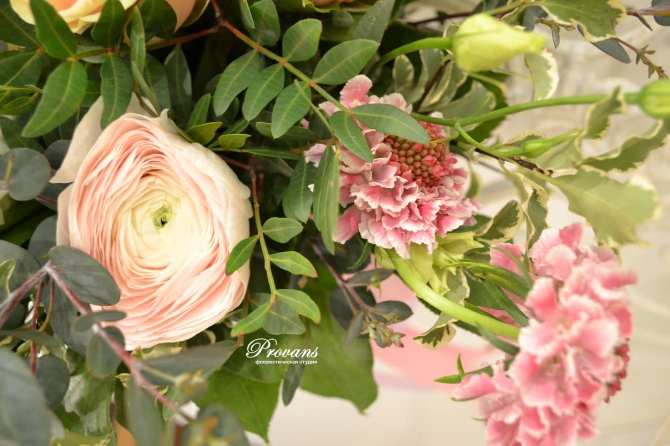 Весенний букет. Розы, лютики, анемоны, гиацинт