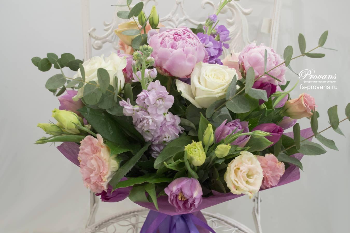 Садовый букет. Пионы, розы, матиола, эустома