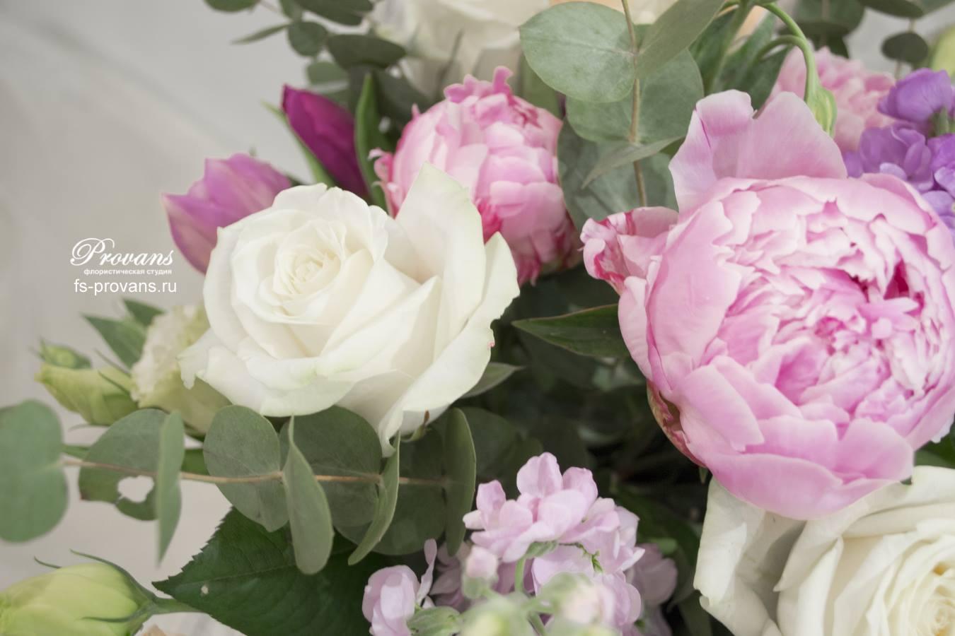 Букет невесты. Пионы, розы, матиола, эустома
