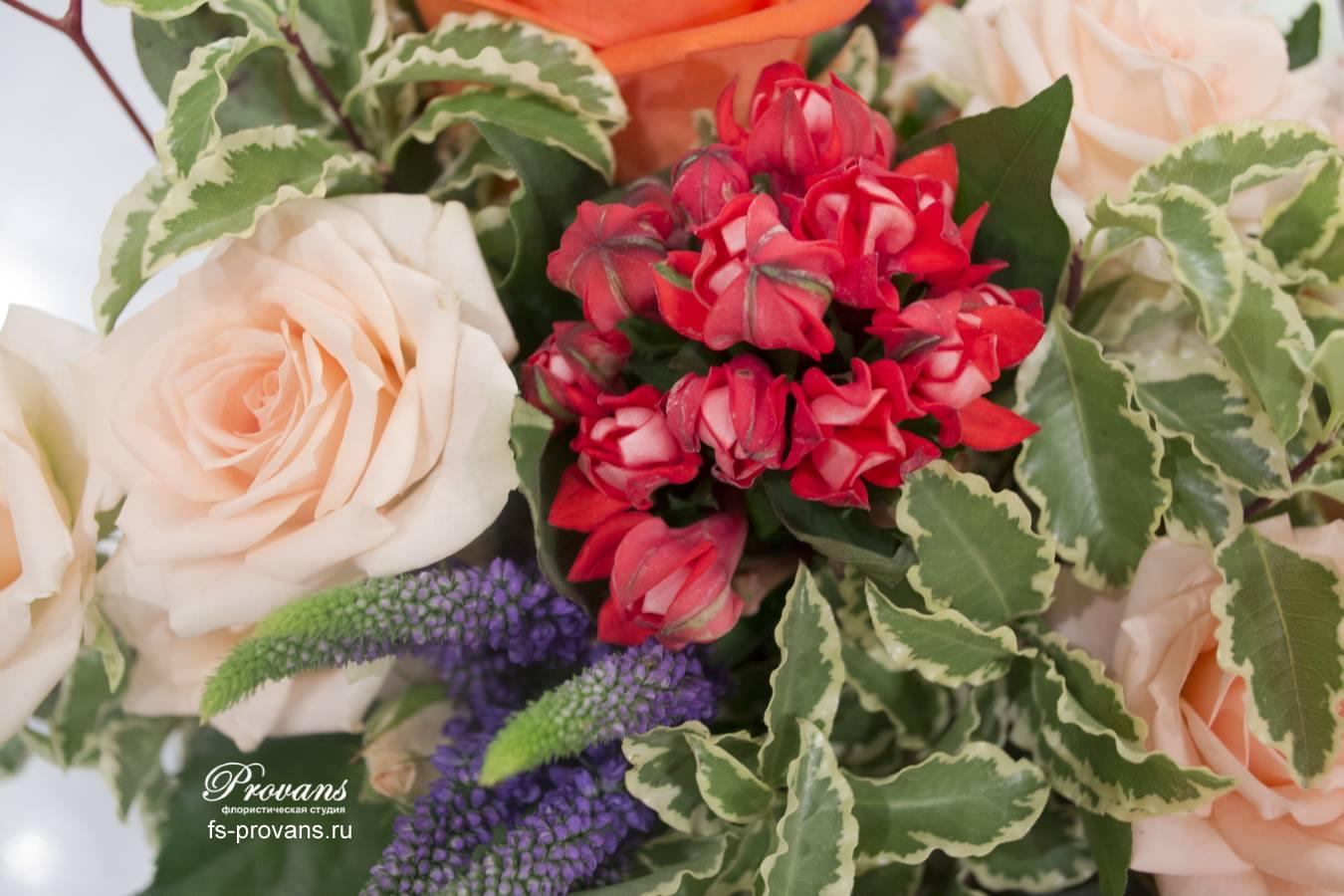 Цветы в ящике Flowerpot. Розы