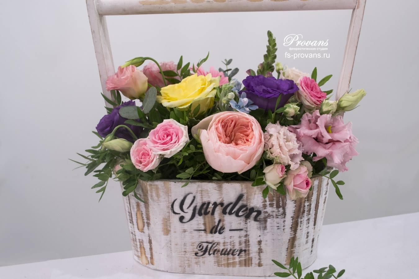 Цветы в ящике. Пионовидная роза, эустома