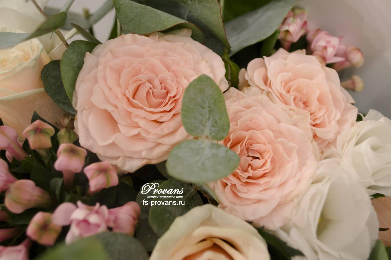 Свадебный букет. Розы, эустома, боувардия