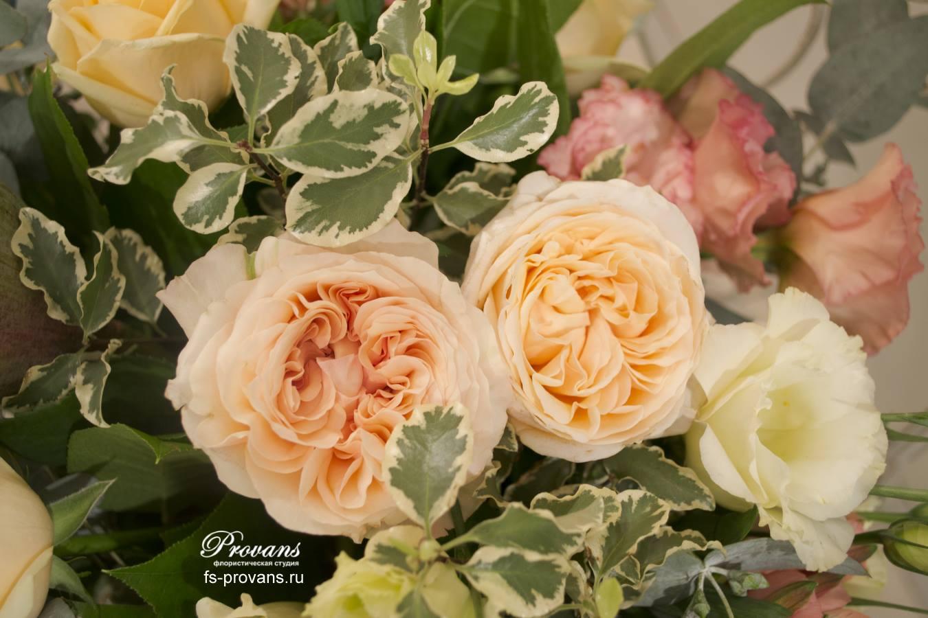 Букет на день рождения. Ароматная роза, плоды лотоса, альстромерия
