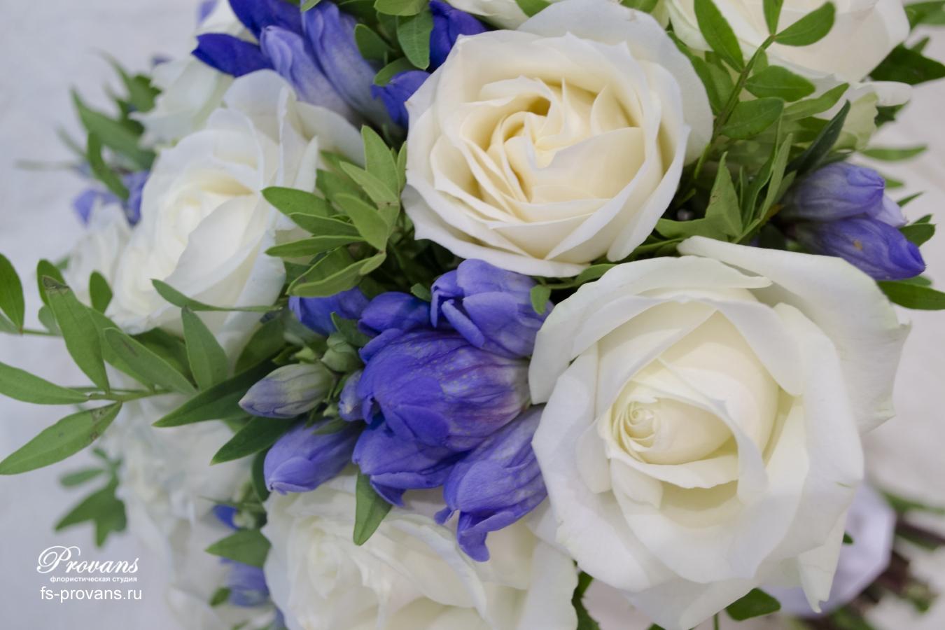 Свадебный букет. Роза, гентиана