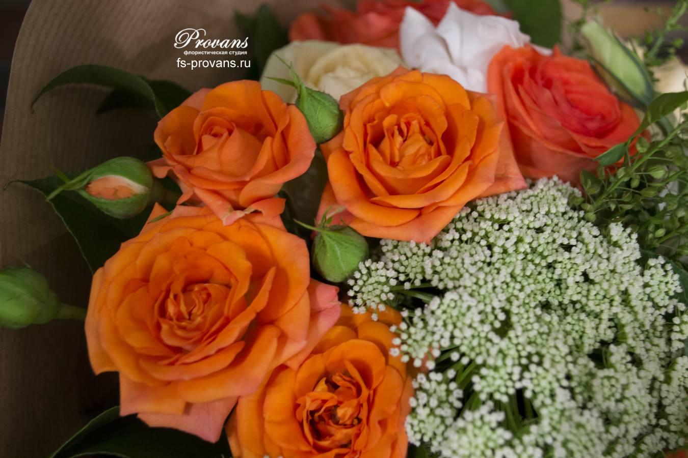 Букет на 1 сентября. Розы, эустома, асклепия