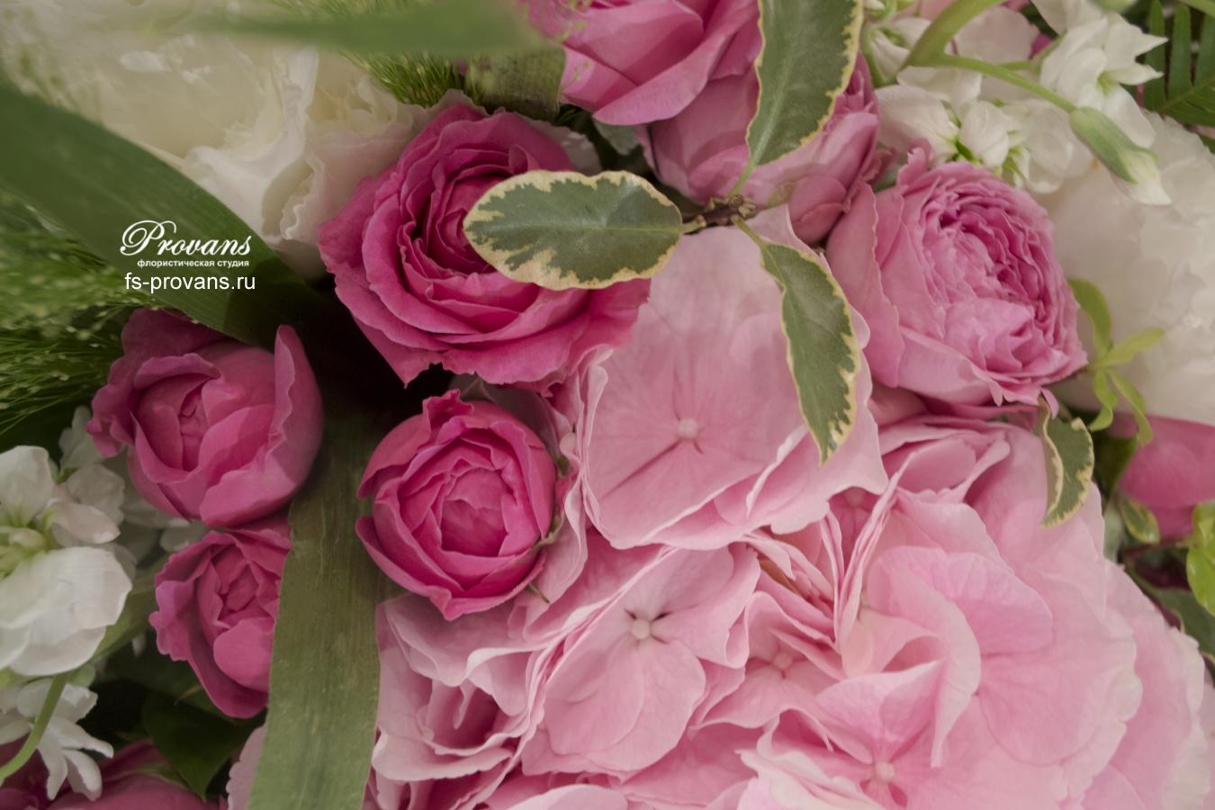 Букет на юбилей. Гортензия, розы, матиола