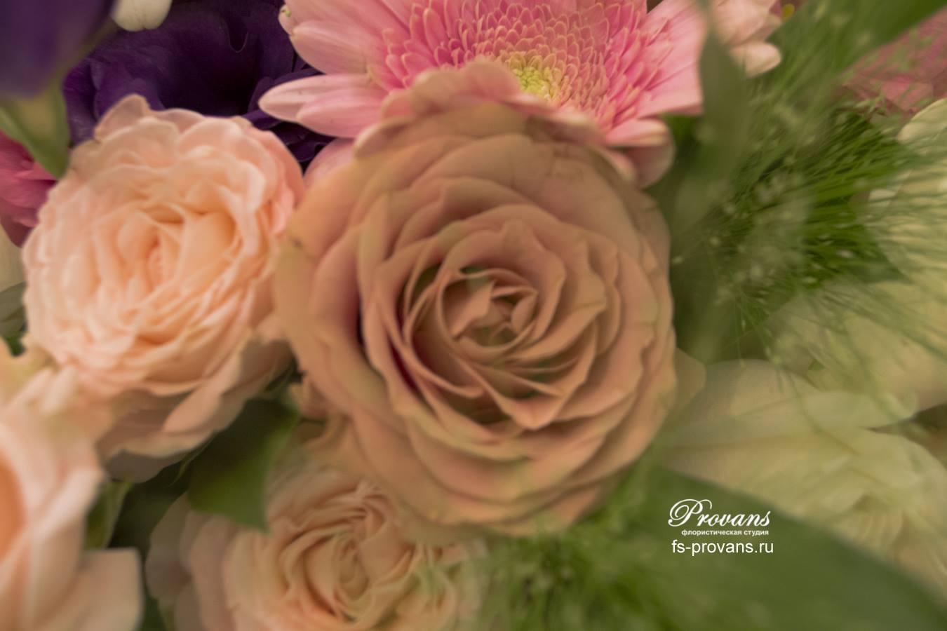 Букет на 1 сентября. Розы, герберы, эустома