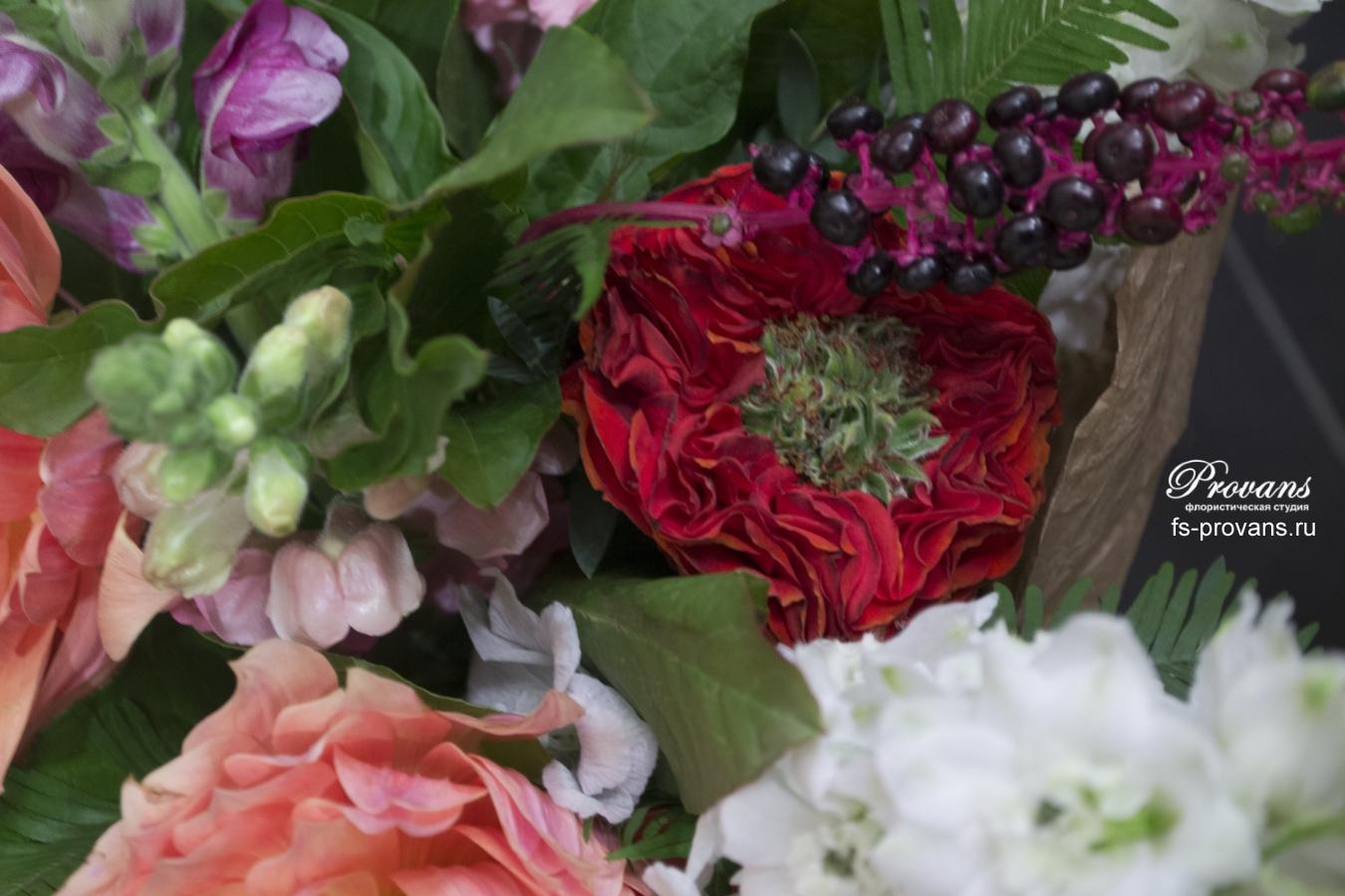 Букет на крестины. Георгины, дельфиниум, розы, эустома