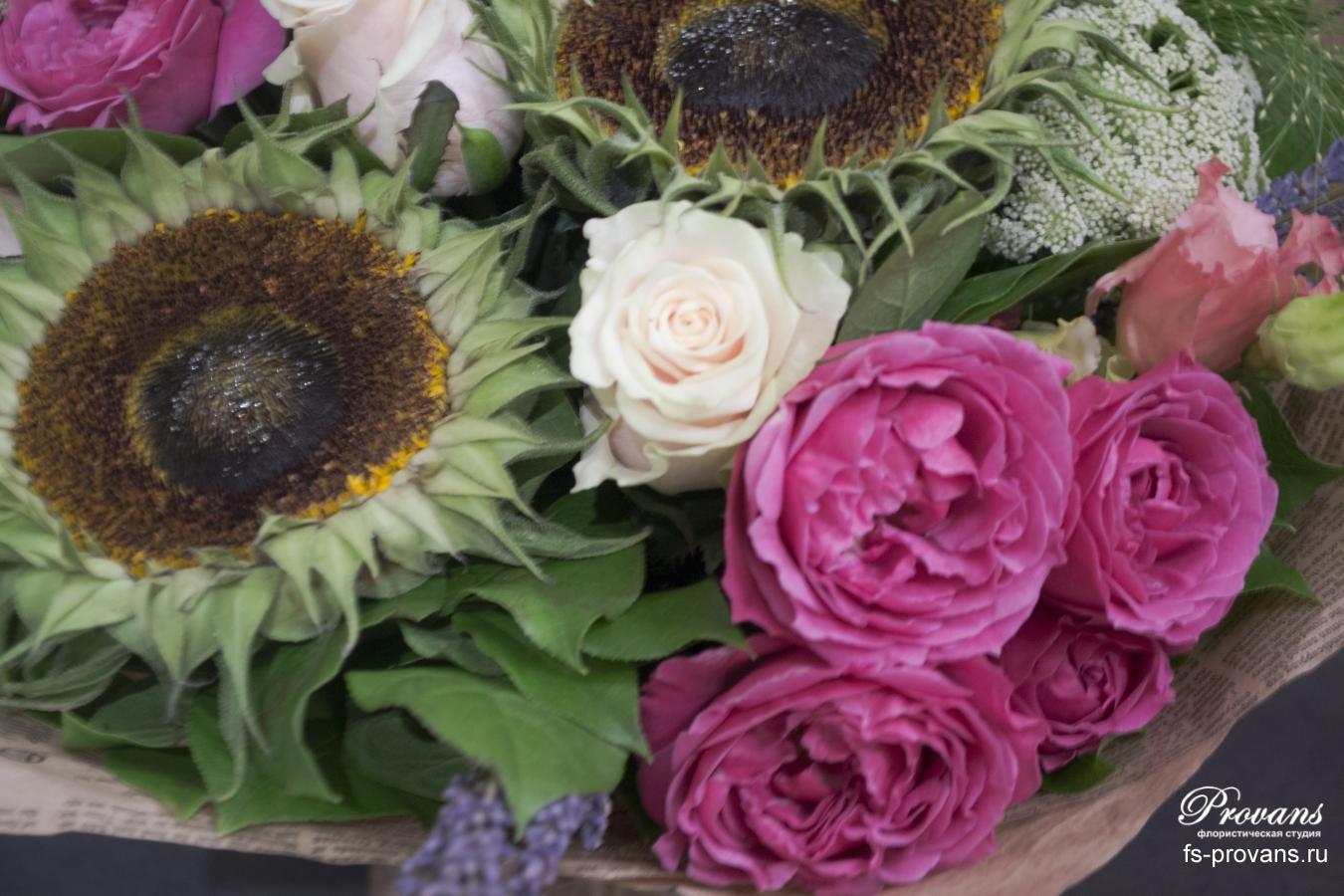 Букет на день рождения. Подсолнух, розы, эустома, лаванда