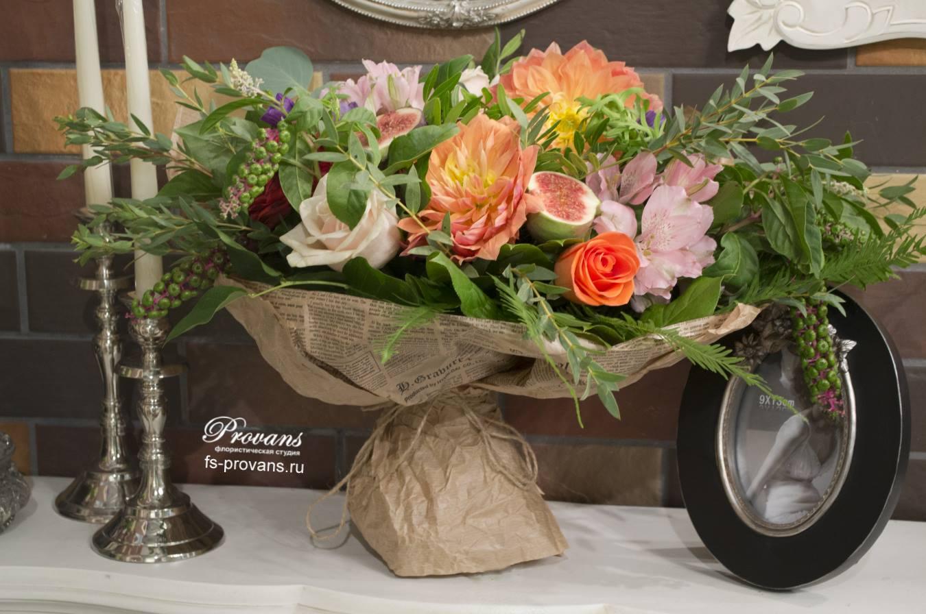 Букет на день рождения. Георгины, розы, лютики, анемоны