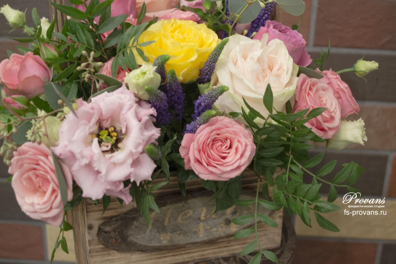 Цветы в кашпо. Пионовидные розы, эустома