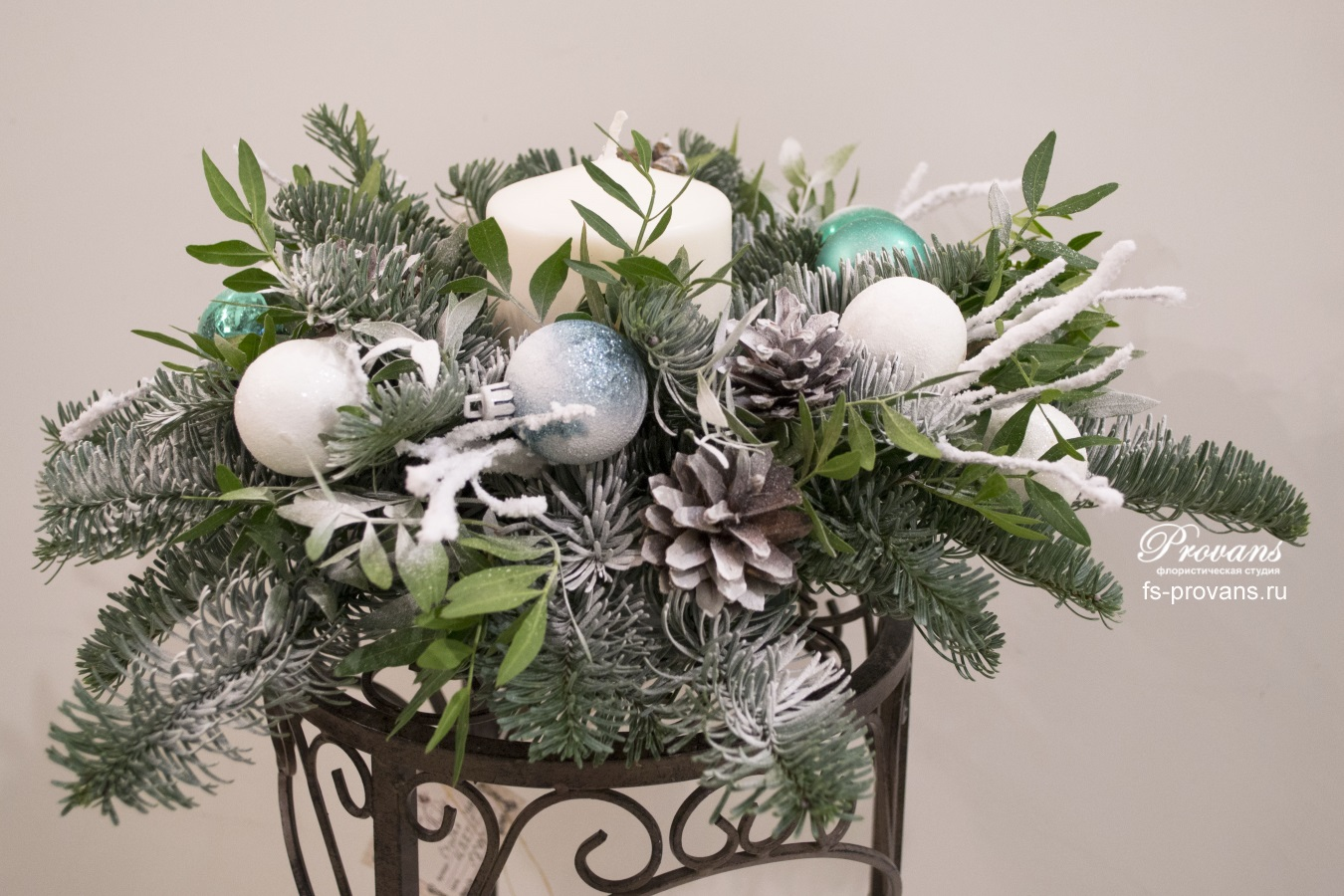 Украшение на Новый год и Рождество. Датская ель, свеча, декор