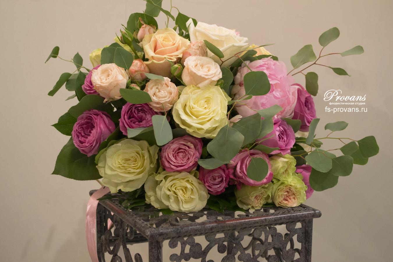 Букет на день рождения. Пионы, розы