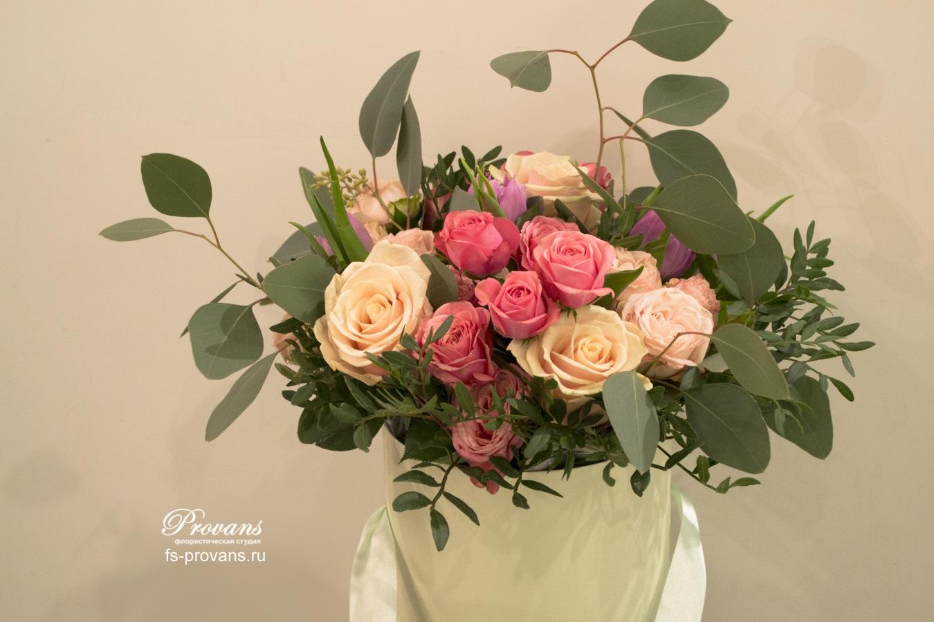 Цветы в коробке. Розы, тюльпаны