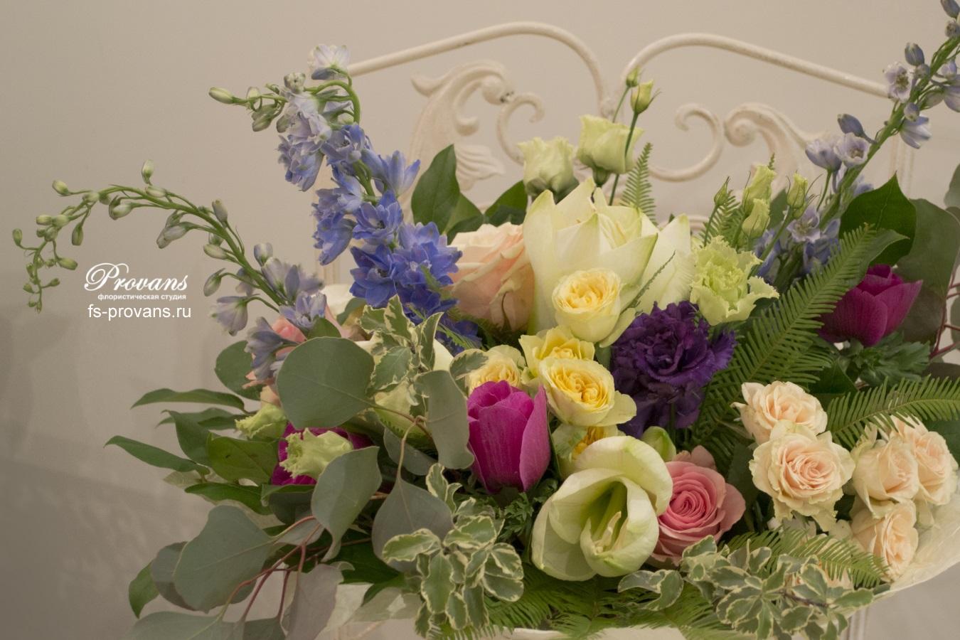 Букет на юбилей. Розы, амариллис, дельфиниум, тюльпаны, анемоны