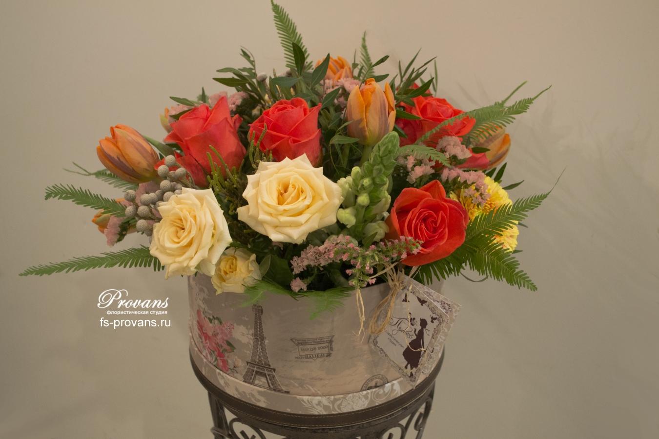 Цветы в шляпной коробке. Розы, тюльпаны