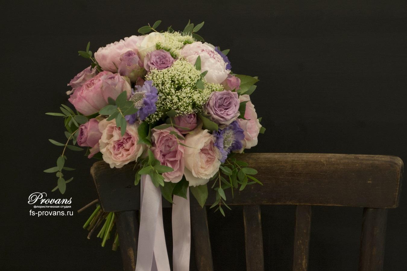 Свадебный букет. Пионы, ароматная роза, скабиоза