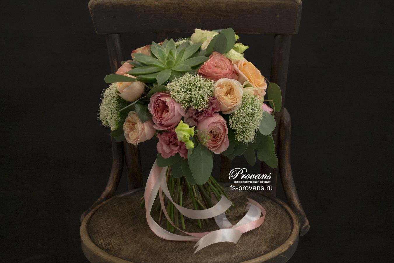 Свадебный букет. Ароматная роза Девида Остина, эхеверия