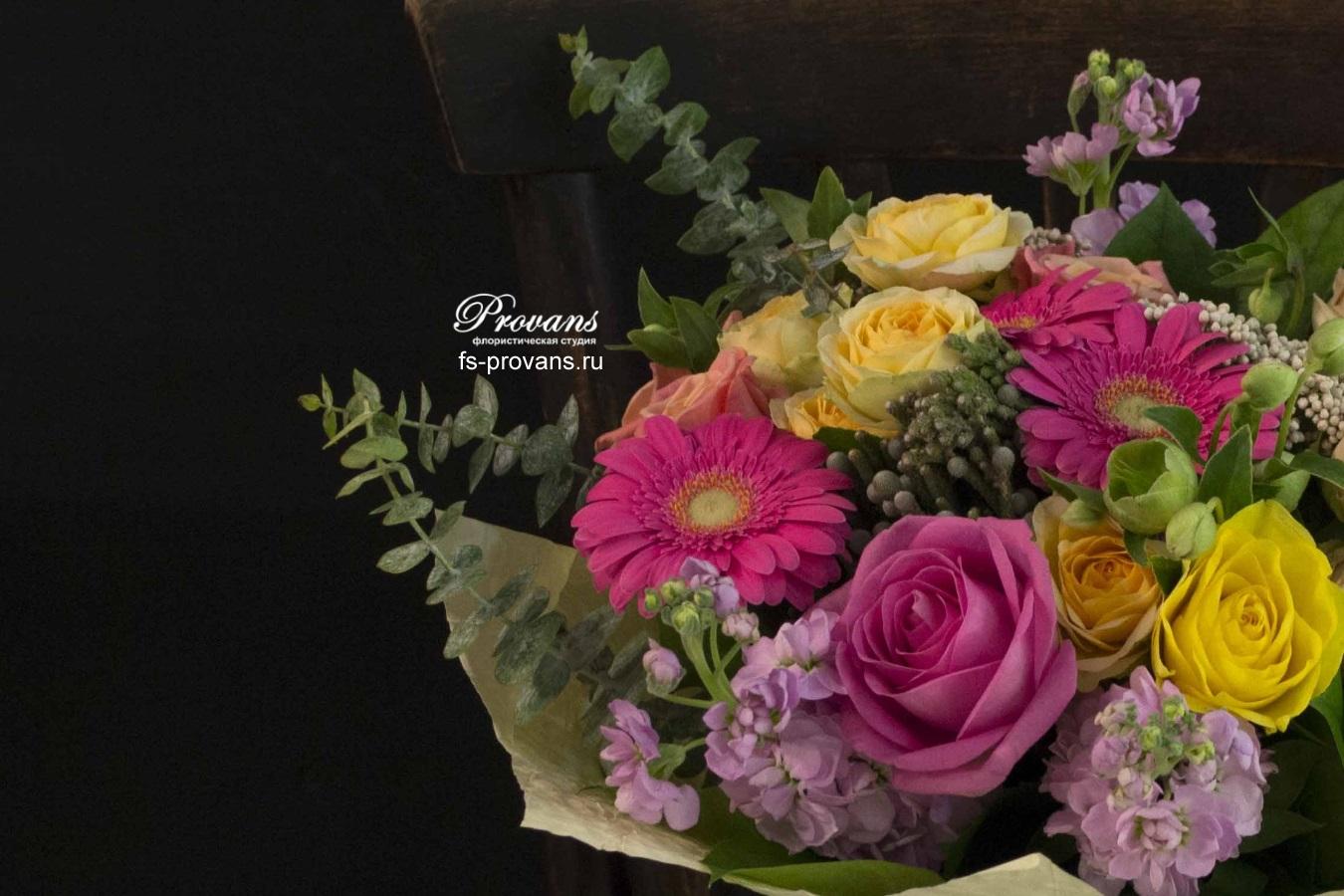 Букет на день рождения. Розы, гербера, матиола