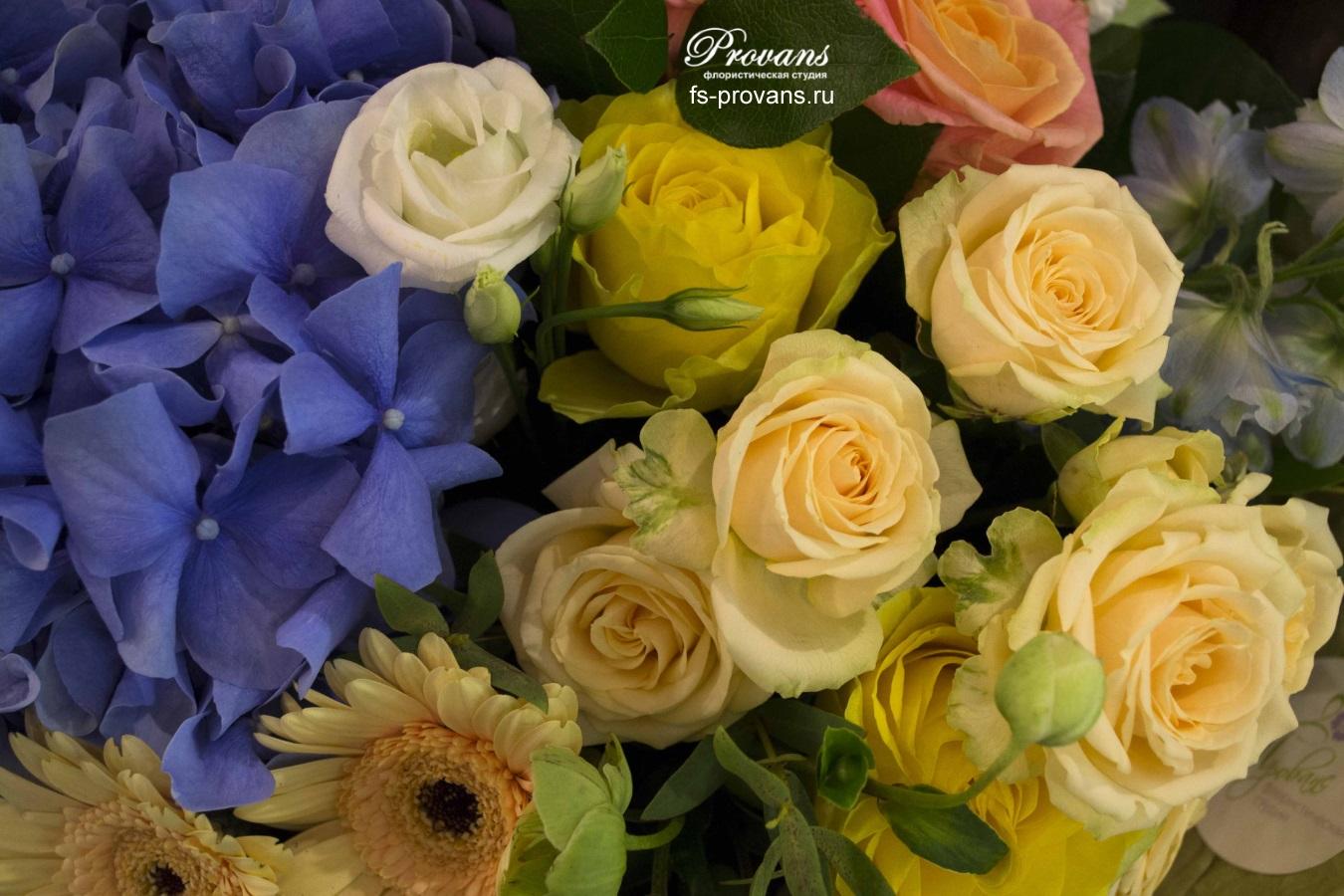 Букет на день рождения. Гортензия, дельфиниум, розы, гербера, матиола, эустома
