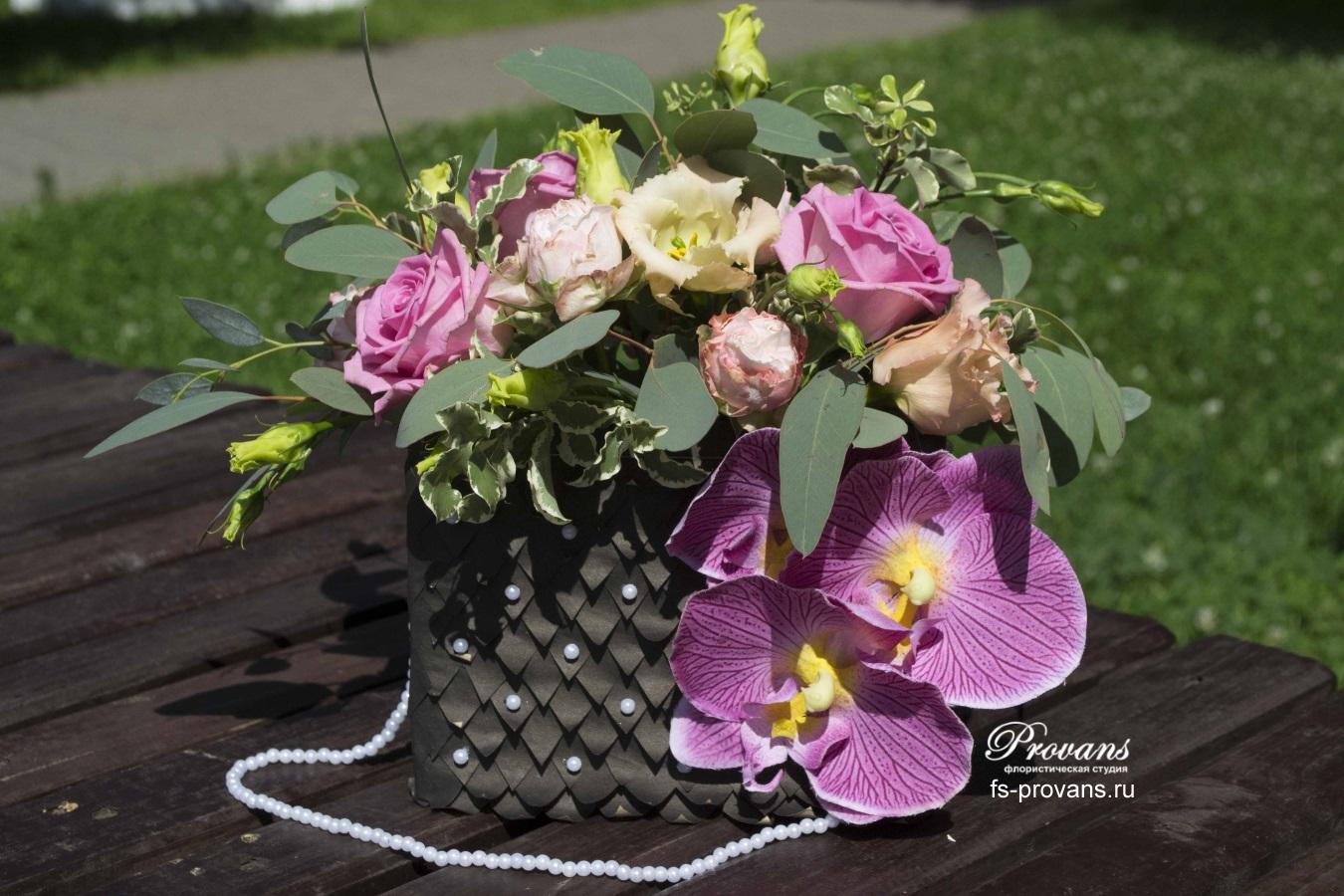 Сумочка с цветами. Розы, эустома