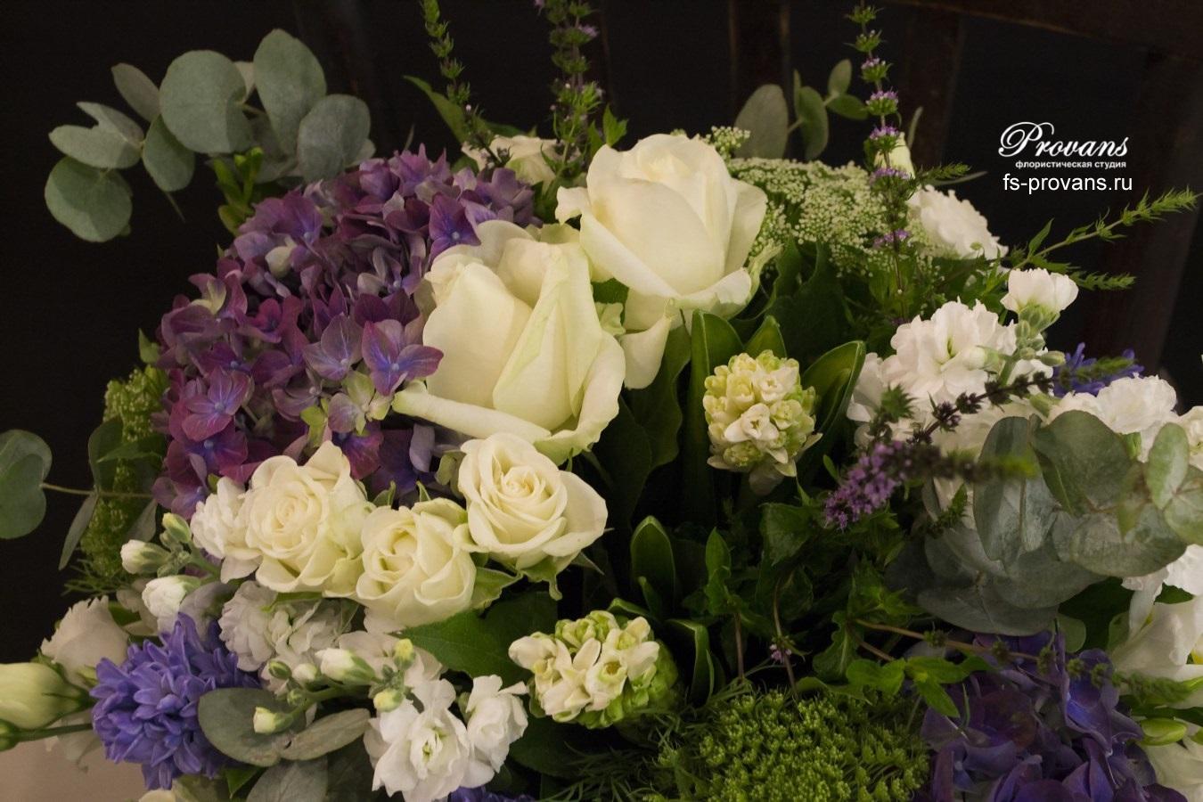 Букет на день матери. Гортензия, роза, гиацинты, фрезия