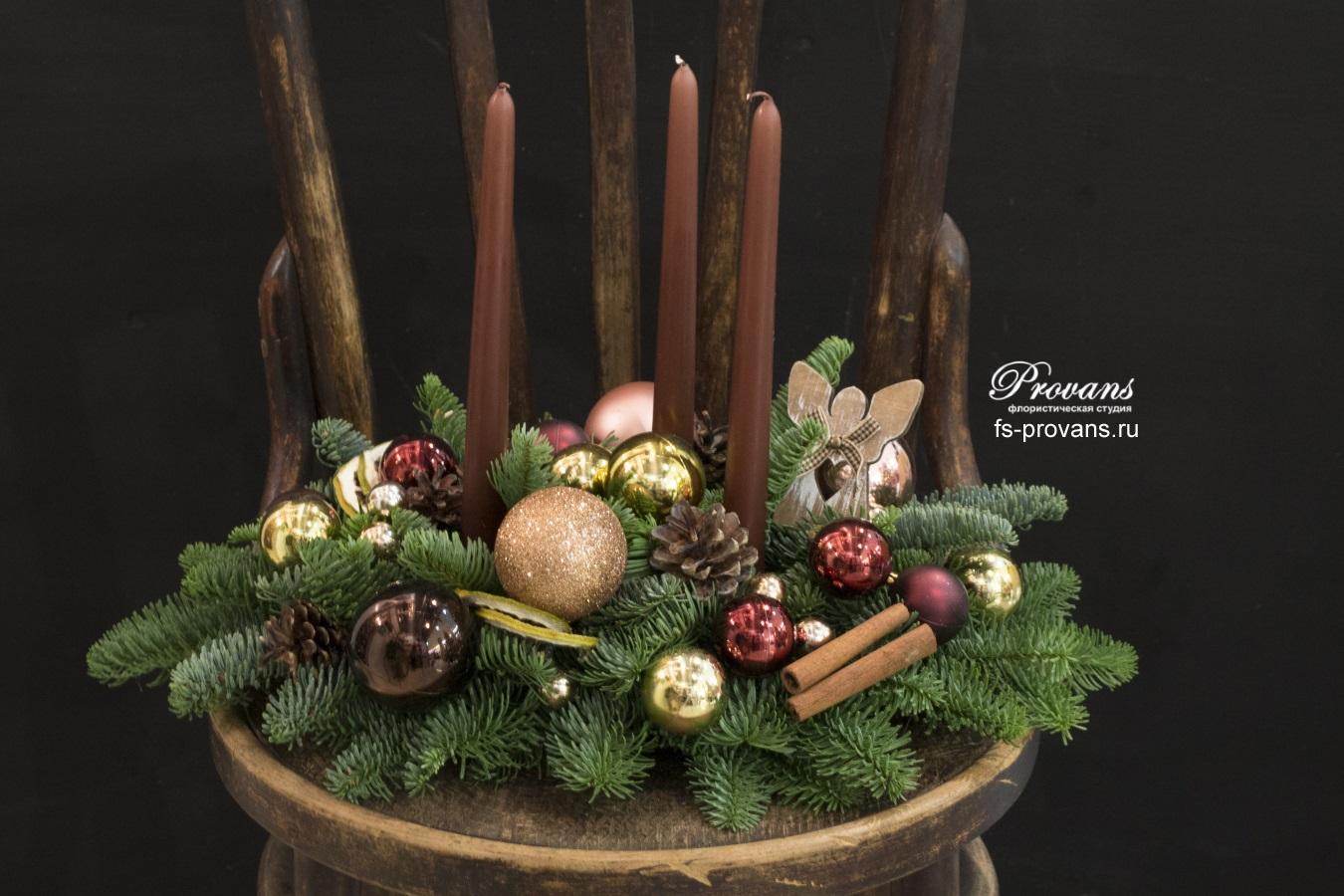 Новогодняя композиция. Датская ель и декор